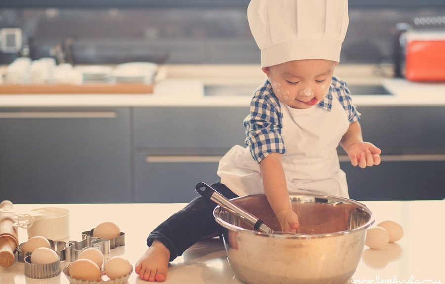 Adorable Little Chef, 2 years old JACO3OY!